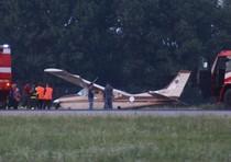 Aereo si spezza durante l'atterraggio
